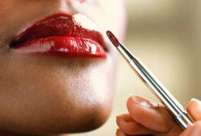 Beauty Tip: Lasting Lip Color Tips!